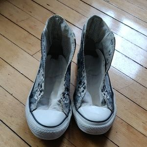 Unisex Converse sneakers